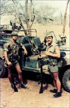 meetin the aussies Military Gear, Military Service, Military Weapons, Military Life, Military History, Military Aircraft, Vietnam War Photos, Out Of Africa, Historical Pictures