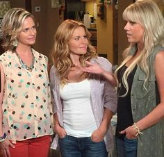 'Fuller House' Candace Cameron Bure Reveals Netlifx May Tackle LGBT Issues In Reboot Series Candice Cameron Hair, Candance Cameron, Dj Tanner, Fuller House, She Wolf, My Style, Clothes, Women, Hair Colors