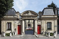 Relais & Châteaux - Welcome to the Saint James Paris!