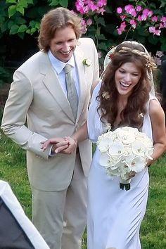 peinados de famosas para novias el dia de su boda pelo suelto: Milla Jovovich
