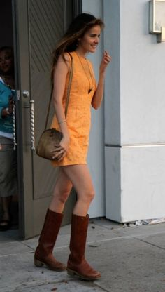 Isabel Lucas lovely outfit