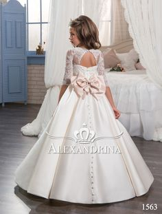 Cute Lace Flower Girl Dresses Beading A-Line Princess Gowns Satin Half Sleeve Pageant Dresses Birthday Party Dresses Girls First Communion Dresses, Girls Pageant Dresses, Gowns For Girls, Birthday Dresses, Little Girl Dresses, Ball Dresses, Ball Gowns, Party Dresses, Dress Girl