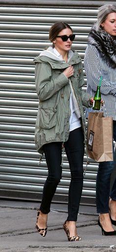 anorak + leopard heels = Olivia Palermo looking great as usual Estilo Olivia Palermo, Olivia Palermo Style, Looks Street Style, Looks Style, Fashion Mode, Moda Fashion, Style Work, Style Me, Top Mode