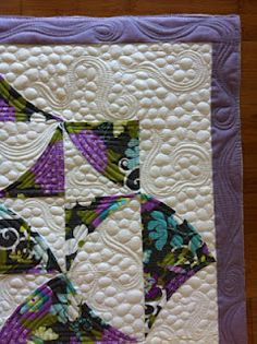 Sew Kind Of Wonderful: great quilting....I wonder if I could ever achieve this with my lowly little sewing machine?