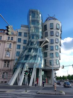 The Fred & Ginger Dancing Building in Praha Germany '16