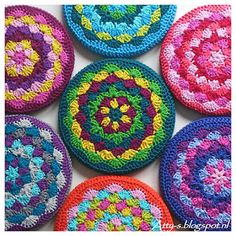 Kaleidoscope Pot Coaster Tutorial - (atty-s.blogspot)