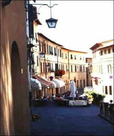 Self guided wine tasting in Tuscany