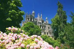 O poço fica na Quinta da Regaleira, um dos principais cartões-postais da bela cidade de Sintra