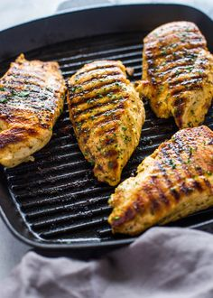 How to Grill Chicken on Stove-Top (Easy Grill Pan Method)   Gimme Delicious Grilled Chicken On Stove, Grilled Chicken Breast Recipes, Stove Top Chicken, Yum Yum Chicken, How To Cook Chicken, Chicken Snacks, Chicken Recepies, Cast Iron Grill Pan, Pork Ribs