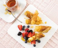 Your baby will love this delicious fruit pancake recipe. Easy to prepare. Serve with fruit and delight their taste buds Fruit Pancakes, Mini Pancakes, Breakfast Pancakes, Baby Food Recipes, Easy Dinner Recipes, Cooking Recipes, Pancake Recipes, Toddler Meals, Kids Meals