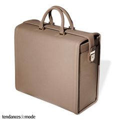 The Sleek Victoria Beckham Bag Collection Victoria Beckham Handbags, Purses And Handbags, Leather Handbags, Briefcase Women, Women's Briefcase, Luxury Luggage, Dress For Success, Fashion Bags, Male Fashion
