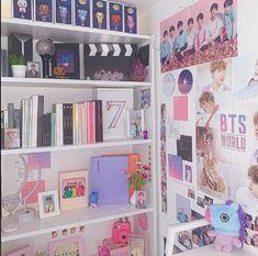 Army Decor, Army Room Decor, Small Room Decor, Cute Room Decor, Room Ideas Bedroom, Bedroom Decor, Chambre Indie, Pinterest Room Decor, Kawaii Room