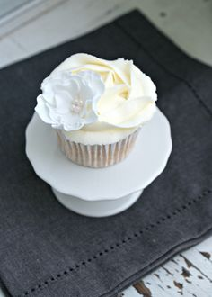 White Russian cupcake | SONY DSC | Fiona Rinaldi | Flickr