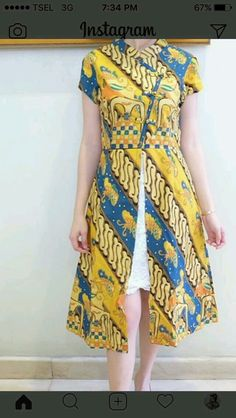 Batik modern k elny Batik Kebaya, Kebaya Dress, Blouse Batik, Batik Dress, Batik Fashion, Skirt Fashion, Fashion Dresses, Tutorial Tutu, Simple Dresses