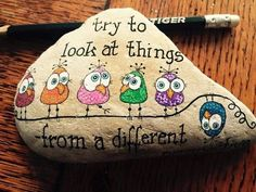 Shared by Cris Figueiredo. Find images and videos on We Heart It - the app to get lost in what you love. Rock Painting Patterns, Rock Painting Ideas Easy, Rock Painting Designs, Paint Designs, Pebble Painting, Pebble Art, Stone Painting, Stone Crafts, Rock Crafts