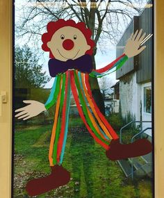 Creative and great window decoration in advance # elementary school ideas # elementary school teacher # . Creative and great window decoration in advance # elementary school ideas # elementary school teacher # . Clown Crafts, Carnival Crafts, Carnival Tent, Carnival Ideas, Office Christmas Decorations, School Decorations, Christmas Tree Pattern, Felt Christmas, Decoration Creche