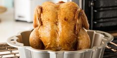 Bundt Pan Roast Chicken ~ This easy hack results in a perfect roast chicken, and the veggies to go along with it! Chicken Recipes Video, Roast Chicken Recipes, Roasted Chicken, Turkey Recipes, Meat Recipes, Cooking Recipes, Pan Cooking, Batch Cooking, Baked Chicken