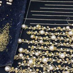1,213 отметок «Нравится», 27 комментариев — Zardozee (@zardozee_india) в Instagram: «#embroidery #embellished #fabrics #designerwear #fashiondesigner #hautecouture #couture…»
