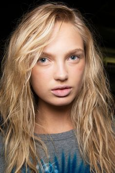 Every Makeup Look You Need to See From New York Fashion Week Spring 2017 | Alexander Wang - The Vibe: Surfer Babe