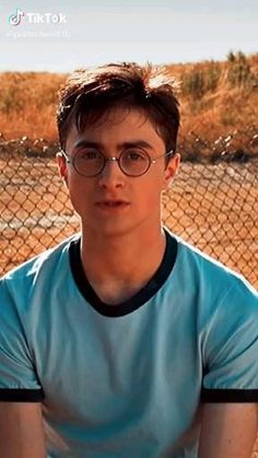 Harry Potter Gif, Magia Harry Potter, Daniel Radcliffe Harry Potter, Mundo Harry Potter, Theme Harry Potter, Harry Potter Images, Harry Potter Universal, Harry Potter Characters, Fiennes Ralph