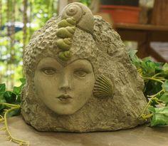 """Skulptur """", weiblicher Felsen im Meer"""" von Mandagora auf DaWanda.com"""