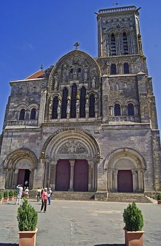 Benedictine abbey of Vézelay acquired the relics of St Mary Magdalene. St Bernard preached the 2nd Crusade here in 1146. Richard the Lion-Heart + Philip II Augustus met there to leave for the Third Crusade in 1190.