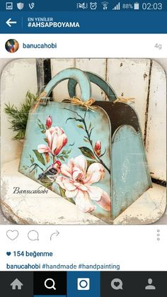 Lovely Application Pink Flowers Onto Blue Carry All Decoupage Suitcase, Decoupage Furniture, Decoupage Vintage, Decoupage Box, Painted Furniture, Wood Crafts, Diy And Crafts, Wooden Bag, Diy Art Projects