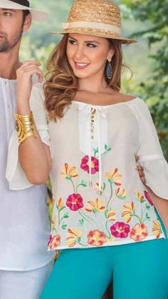 58 Embroidered Tops To Wear Today - Fashion Trends - Casual Street Style, Street Style Women, Modest Fashion, Fashion Outfits, Fashion Trends, Pretty Outfits, Stylish Outfits, Plus Size Clothing Online, Elegant Outfit