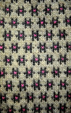 Latvian Pattern < SW: True fair isle 2 colors), because Grey wool is variegated light-dark & pink is over-stitching) / M-C Knitting Charts, Knitting Stitches, Knitting Designs, Knitting Projects, Hand Knitting, Knitting Patterns, Crochet Patterns, Fair Isles, Fair Isle Pattern