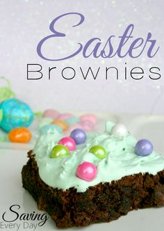 Thanks to a little help from the store, these Easter brownies are simple to make, versatile, and oh so pretty! Change the color of the frosting and swap out the candy, and these can work for any holiday! Easter Cookies, Easter Treats, Easter Cake, Easter Recipes, Holiday Recipes, Holiday Ideas, Brownie Recipes, Cake Recipes, Easter Festival