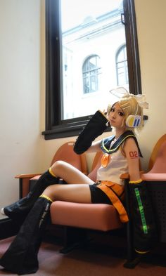 Kagamine Rin cosplay- The best I've seen!