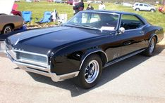 Nice car,1969 Buick Riviera, my sixth car and the one I had when I met Gloria, my wife.