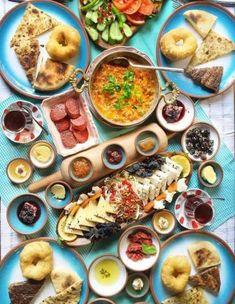 Ideas For Breakfast Plate Turkish Turkish Recipes, Italian Recipes, Beef Recipes, Ethnic Recipes, Arabic Breakfast, Turkish Breakfast, Breakfast Platter, Breakfast For A Crowd, Brunch