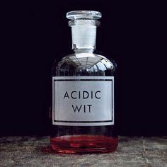 "Harry Potter Potions Class ""Acidic Wit"" etched apothecary bottle {vinegarandbrownpaper.co.uk}"