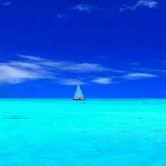 Crystal blue ocean