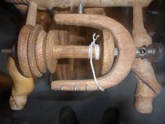 Sehr-schoenes-Spinnrad-zur-Deko-aus-Knueppelholz
