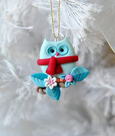 One of a kind, handcrafted Xmas owl ornament made from durable polymer clay by Etsy seller My Joyful Moments. Polymer Clay Owl, Polymer Clay Kunst, Polymer Clay Ornaments, Polymer Clay Figures, Polymer Clay Projects, Polymer Clay Creations, Clay Crafts, Fimo Kawaii, Polymer Clay Christmas