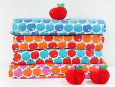 Bunter Jersey mit Äpfeln / colourful fabrics, apple print, summer diy by Brittschens via DaWanda.com