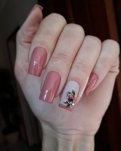 New bright nails for summer glitter 21 Ideas Pink Nail Art, Pink Nails, Glitter Nails, My Nails, Purple Nail Polish, Rose Nails, Flower Nails, Fancy Nails, Trendy Nails