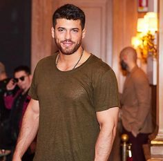 Can Yaman returns to the screens, after humiliating a female fan - Turkish Actors Turkish Men, Turkish Actors, Hot Actors, Handsome Actors, Awesome Beards, Photography Poses For Men, Exercise For Kids, Beard Styles, Mode Outfits