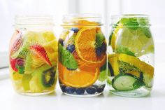 Beautiful and love the subtle flavors of infused water :) (better get organic though :\) Healthy Work Snacks, Super Healthy Recipes, Healthy Drinks, Diet Recipes, Healthy Tips, Diet Meals, Healthy Fruits, Healthy Options, Fresco