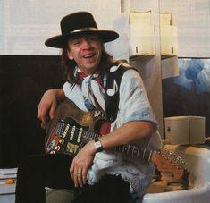 Kenny Wayne Shepherd, Jimmie Vaughan, Buddy Guy, Joe Bonamassa, Robert Johnson, Reading Festival, John Paul Jones, Muddy Waters, Stevie Ray Vaughan