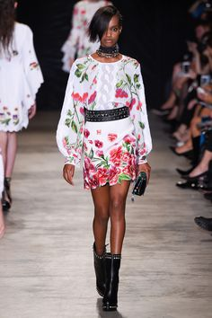 Andrew Gn   Spring 2017 Ready-to-Wear collection   RTW Fashion   Model: Farhiya Shire