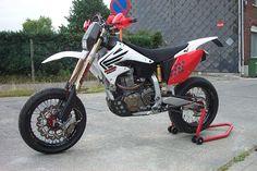 Honda Dirt Bike, Dirt Bikes, Racing Motorcycles, Custom Motorcycles, Dr 650, Love Car, Street Bikes, Scrambler, Drag Racing