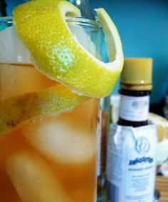 Horses Neck: Named for the spiraling lemon peel garnish resembling a horses neck, this concoction is a refreshing combination of bourbon, bitters and ginger ale. #recipe