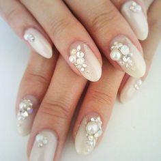 ネイル Pearl Nail Art, Pearl Nails, Bling Nails, Glitter Nails, Bridal Nails Designs, Nail Designs, Ivory Nails, 3d Nail Art, Love Nails