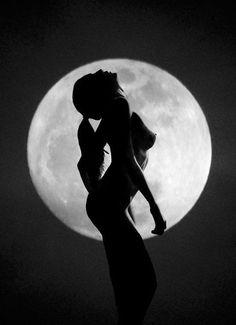 Bring Back The Divine Feminine Sacred Feminine, Divine Feminine, Vintage Moon, Happy Hippie, Moon Photography, One With Nature, Emotion, Beautiful Moon, Beautiful Images