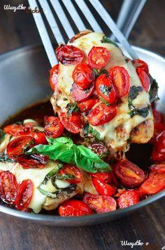 Kurczak caprese pieczony w oliwie...