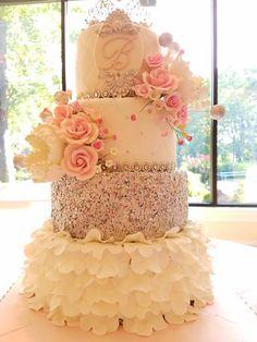 Sweet 16! Quincenera!  Princesse cake!