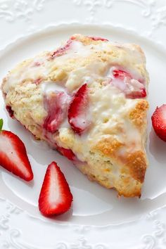 Strawberries and Cream Scones - tender, buttery, and bursting with strawberries in every bite! So much better than a bakery! Source by bakerbynature Strawberry Scones, Strawberry Recipes, Recipes With Strawberries, Strawberry Breakfast, Strawberries Garden, Cherry Scones, Cheesecake Strawberries, Just Desserts, Dessert Recipes
